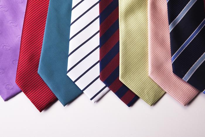 ネクタイも秋~夏に汚れたネクタイはしっかりクリーニングでお手入れ