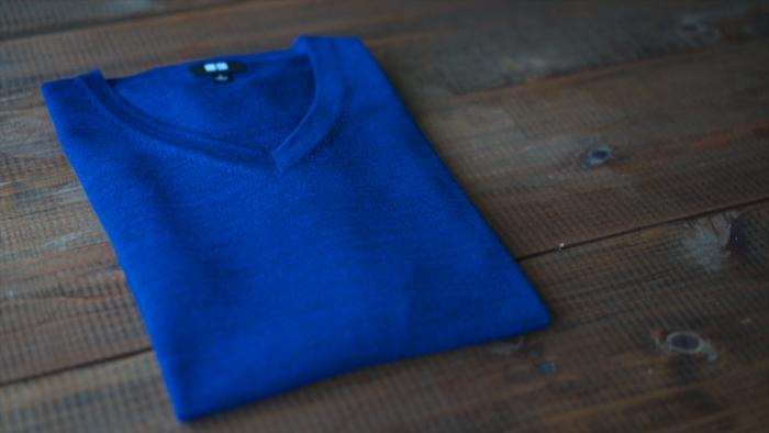 ユニクロのセーターにアイロンをかけて、見た目と着心地をUP!