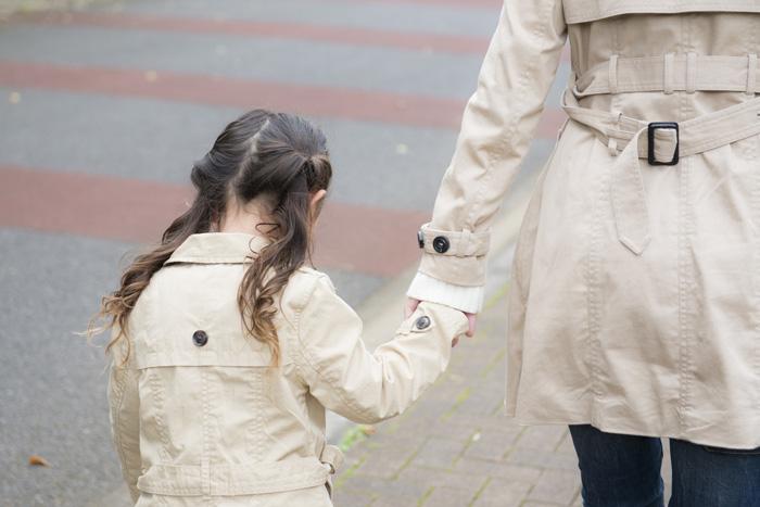トレンチコートを着る前に行いたい陰干しとシワのばし(春コートの準備)