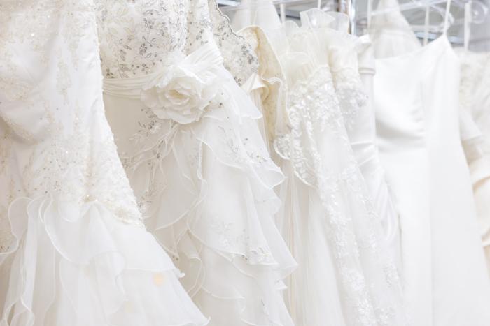 春はウェディングシーズン!ウェディングドレスの純白の意味とドレスの種類