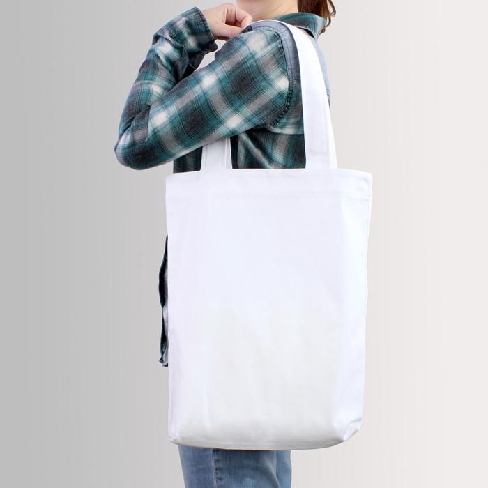 洗濯は避けるべき?真っ白トートバッグを真っ白のまま使う方法