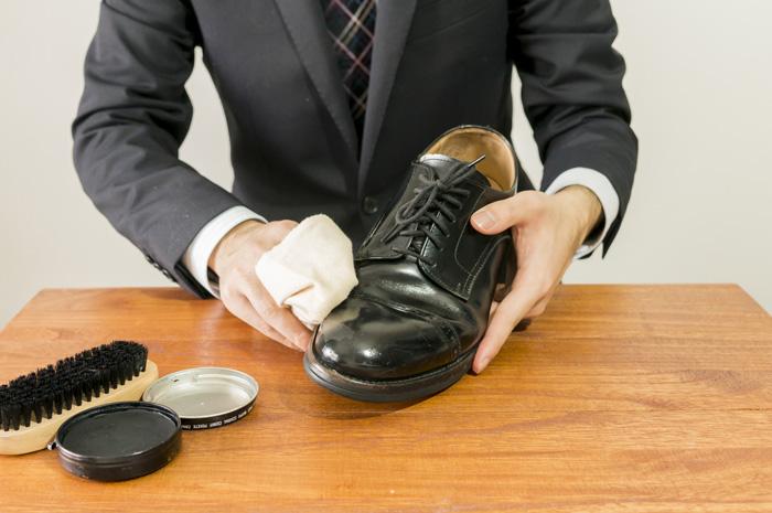 4月新生活!新しく買った革靴の一番最初に行いたいケアの方法