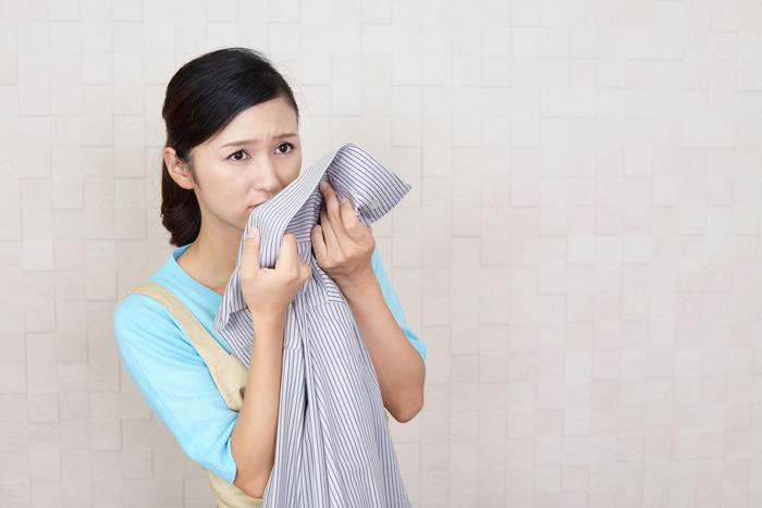 梅雨時期の生乾き臭いは、粉末タイプの酸素系漂白剤で一発除去!
