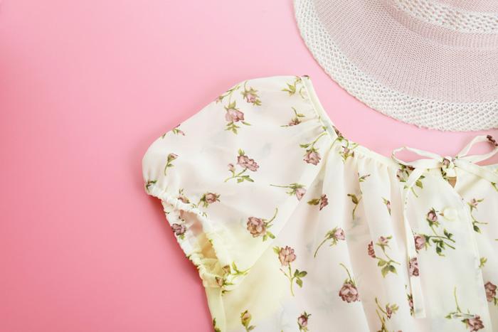 シャツやブラウスのエリや脇に出てくる夏の汗の黄ばみ予防