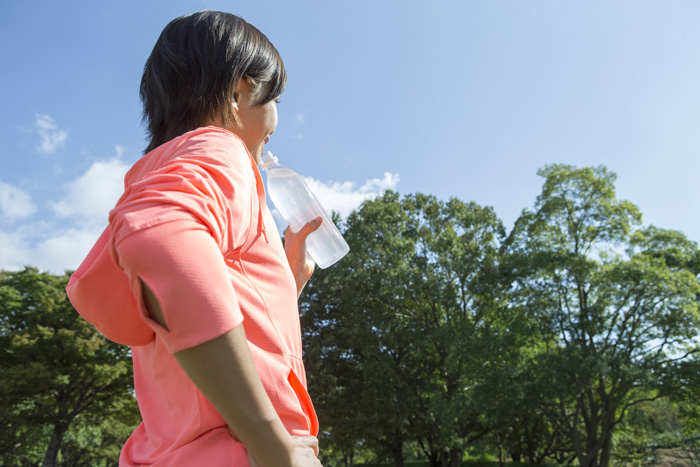スポーツドリンクなど酸性の飲み物には色落ちなどの危険がいっぱい