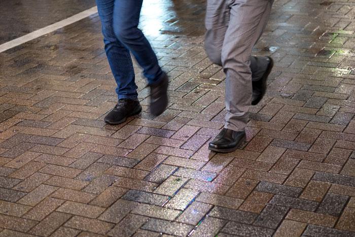 夏場・突然の雨に気をつけたいデニム生地からの色移り