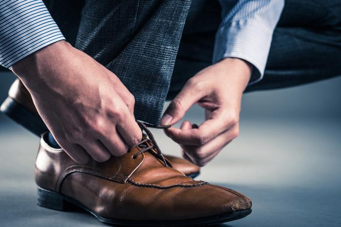 内羽根・外羽根・ブローグ 3タイプある短靴の種類
