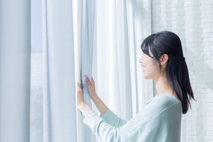 季節の変わり目はカーテンを洗ってお部屋を明るく!カーテンの洗濯方法