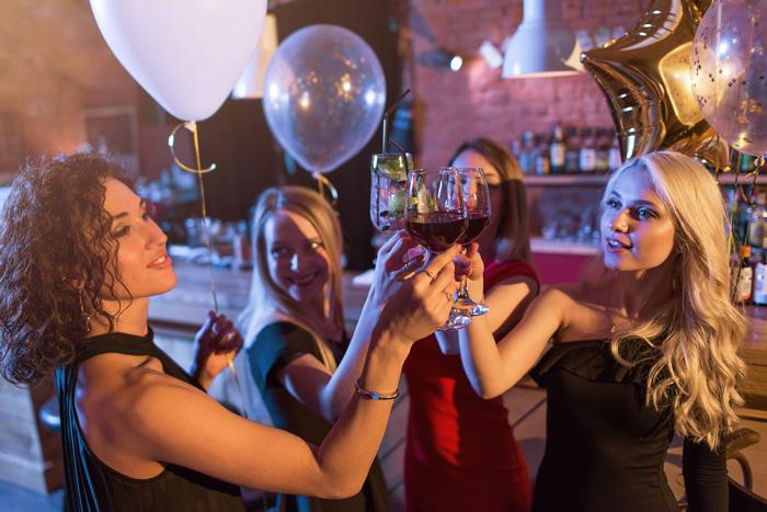 パーティー後のポリエステルのドレスやワンピースのお手入れ方法