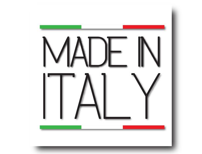 イタリア製の生地を、中国で縫製したジャケットの原産国はどこでしょうか?