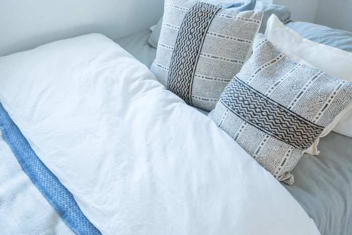 真夏のふとん干しと汚れ落とし 快適な眠りはふとんの丸洗いが一番!
